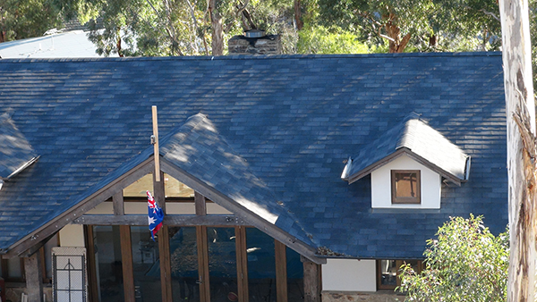 home in Melbourne with roof shingles