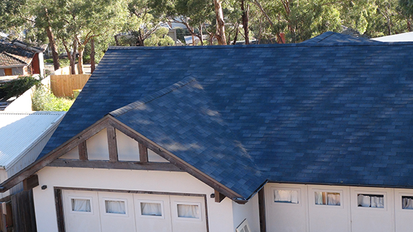 roof shingles vs metal roofing