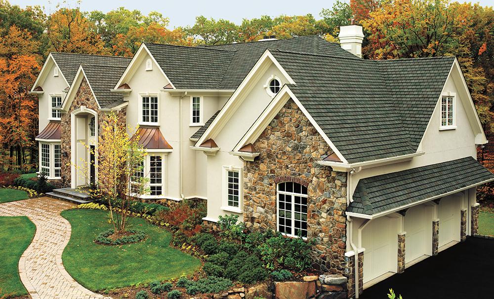 hamptons style exterior view