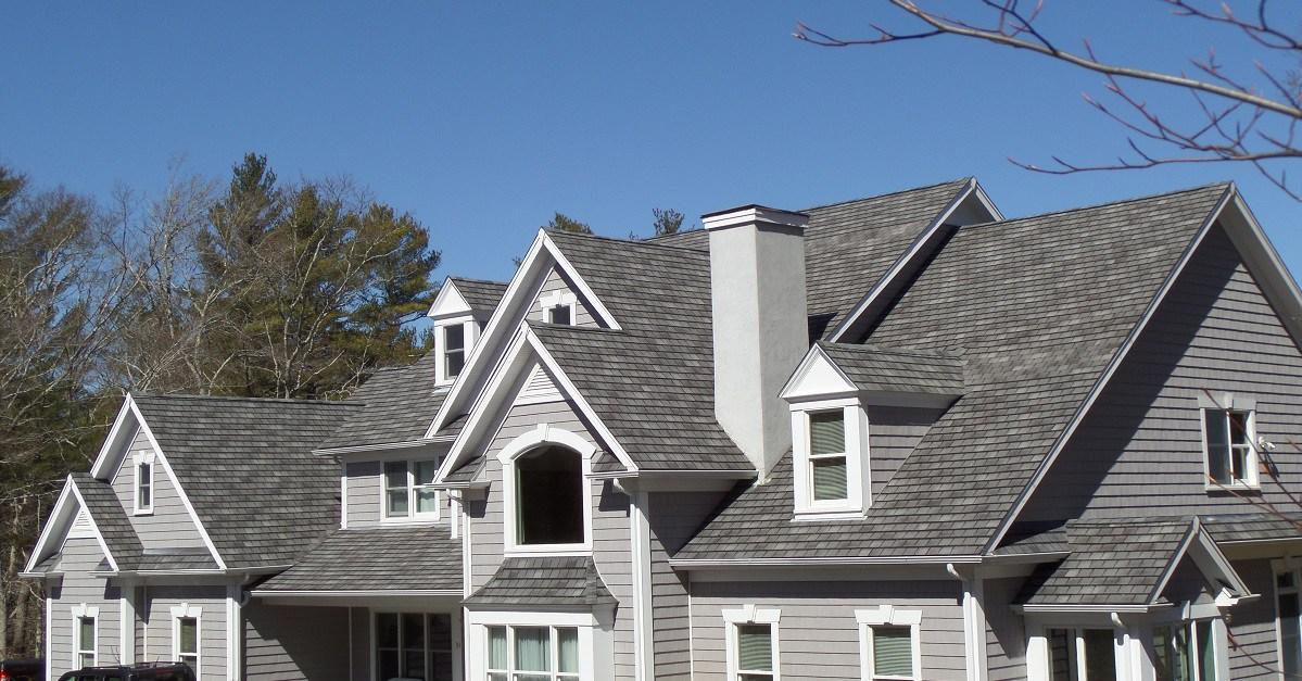 asphalt-roof-shingles-on-new-home