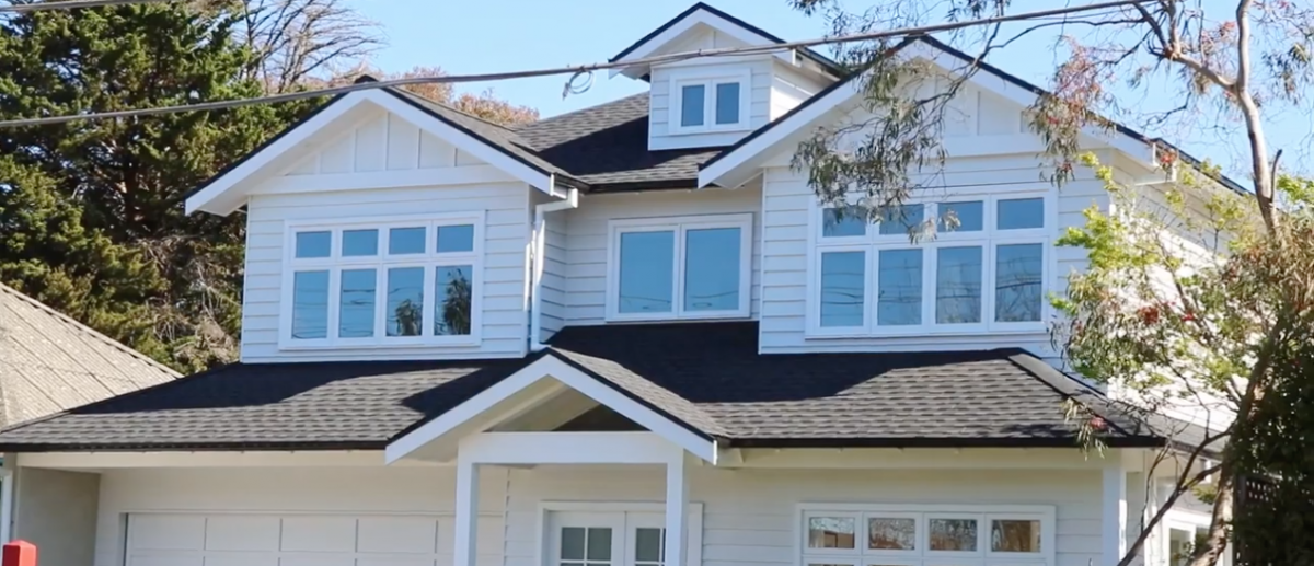 hamptons style house gable roof